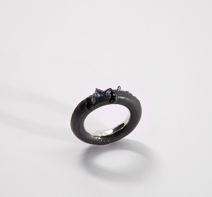 ring, 2013 : patinated silver, synthetic spinel