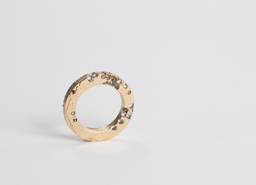 ring :  gold, synthetic sapphire - 2013