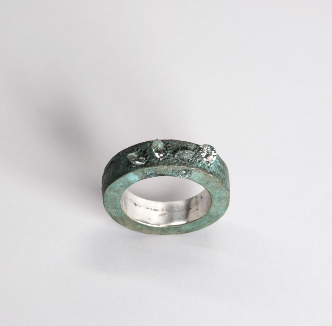 ring, 2014 : patinated silver, synthetic spinel
