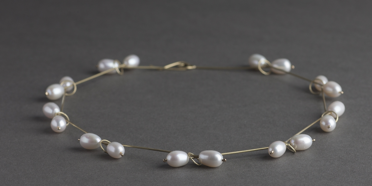 necklace : yellow gold, pearl - 2017