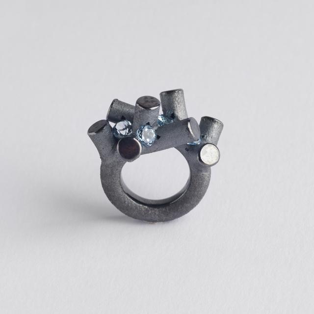 ring : oxidized silver, topaz - 2018