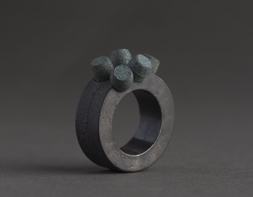 ring : oxidized silver, synthetic corundum - 2017