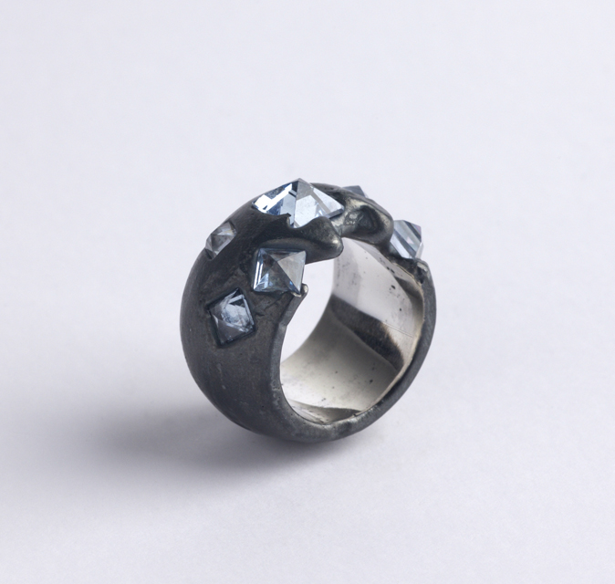 ring : oxidized silver, synthetic spinel - 2018