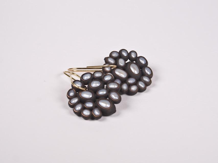 earrings :  oxidized copper, copper, gold, pearl - 2020